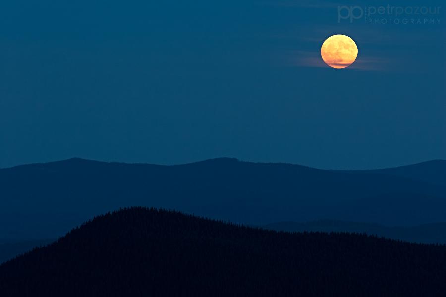 Měsíc nad Šumavou