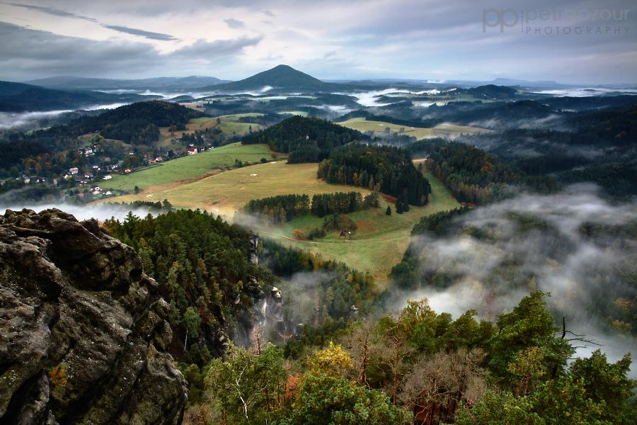 Svítání v Českém Švýcarsku z Mariiny vyhlídky