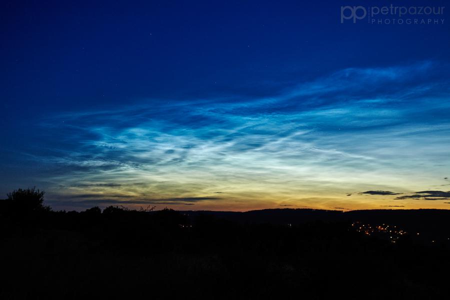 Noční svítící oblaka