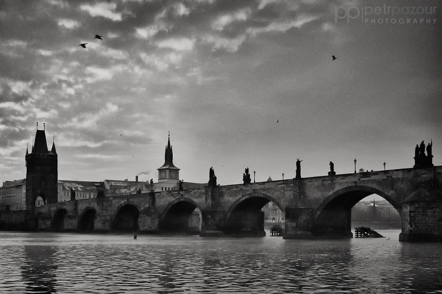 Svítání nad Prahou