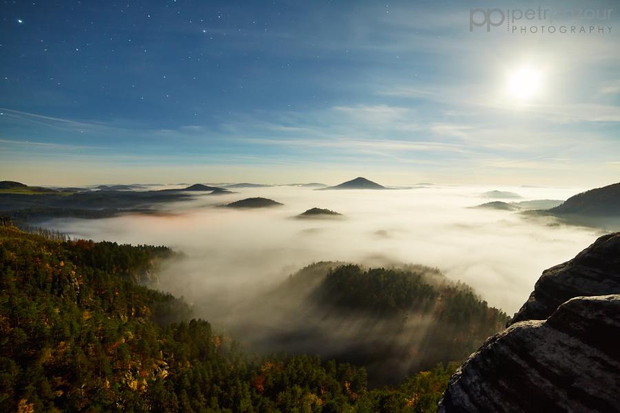 České Švýcarsko v měsíčním světle