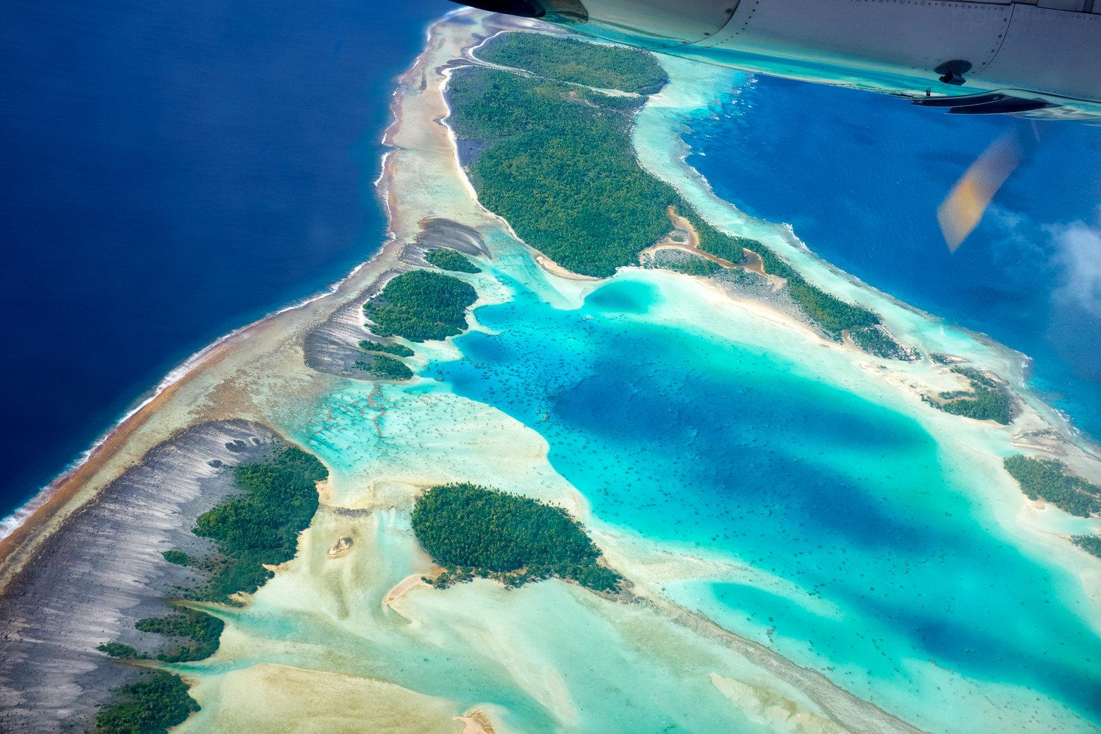 Nad atolem Rangiroa