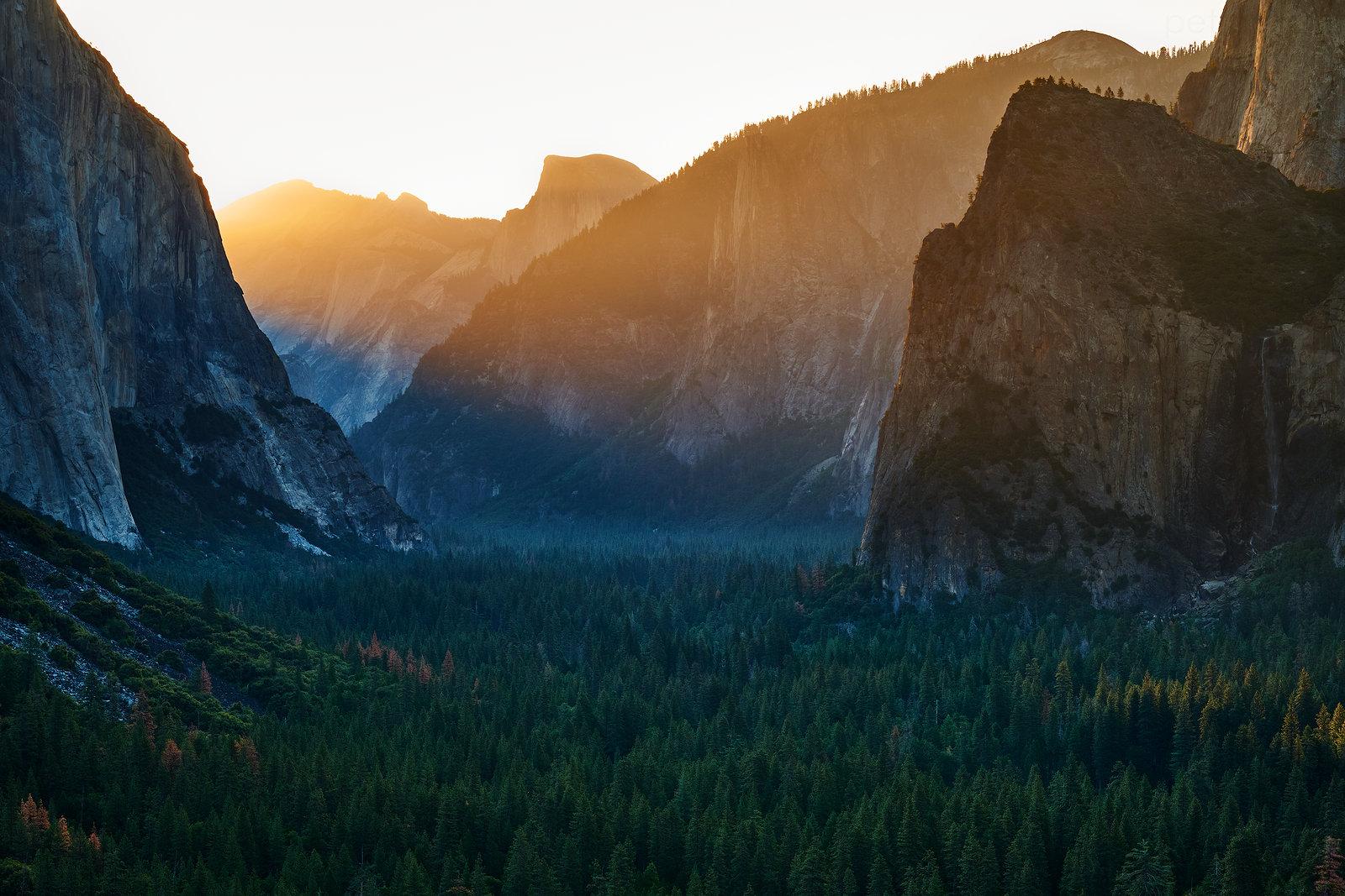 Yosemitské údolí od Tunnel View